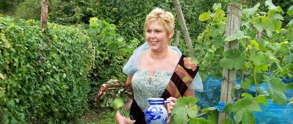 Diana Vluggen is de wijnkoningin van het 11e Wahlwiller wijnfeest